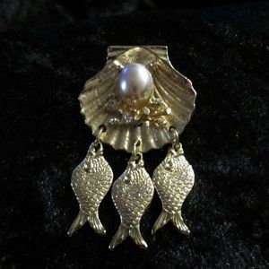 Vintage Nautical Gold tone Brooch